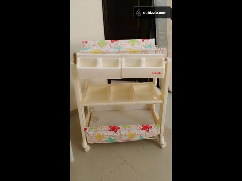 baby changing table good shape white for sale baby items dubizzle oman. Black Bedroom Furniture Sets. Home Design Ideas