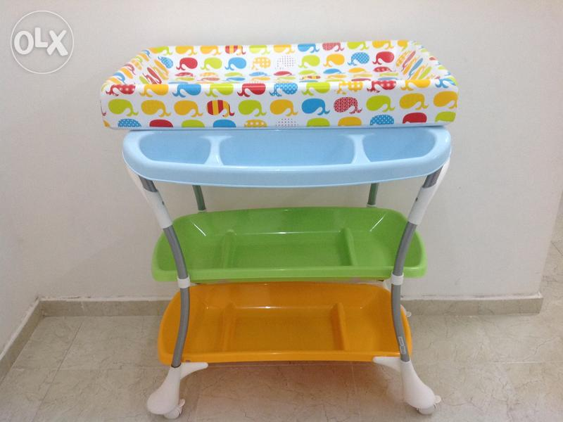 baby bath tub dubizzle olx oman. Black Bedroom Furniture Sets. Home Design Ideas